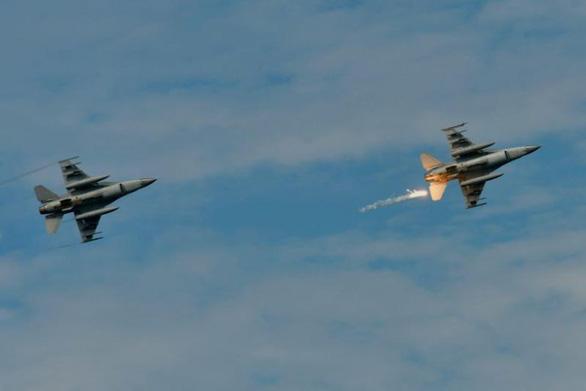 Trung Quốc lên án Mỹ bán lô F-16 giá 8 tỉ USD cho Đài Loan - Ảnh 1.